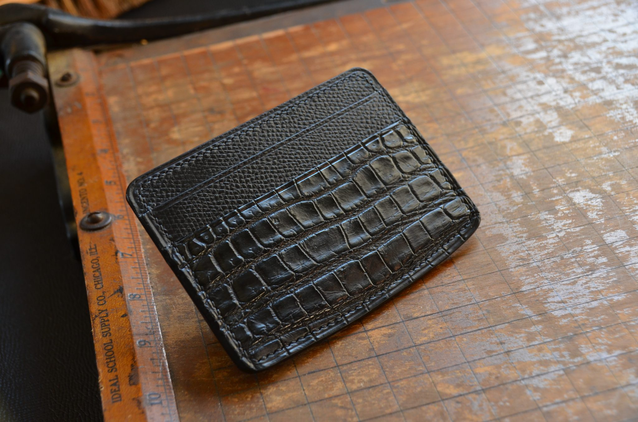 Alligator Simple Wallet